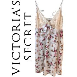 🌺New🌺Victoria's Secret Slip